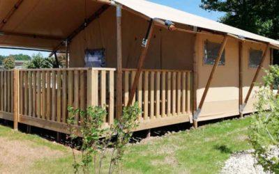 Aménagement paysager des toutes nouvelles tentes safari au Village flottant de Pressac réalisé au printemps 2020